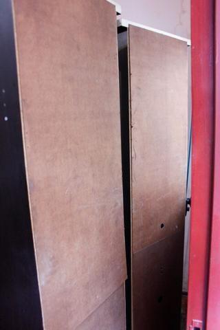 Estante / Cristaleira c/ Prateleiras e Porta de Vidro - Foto 6