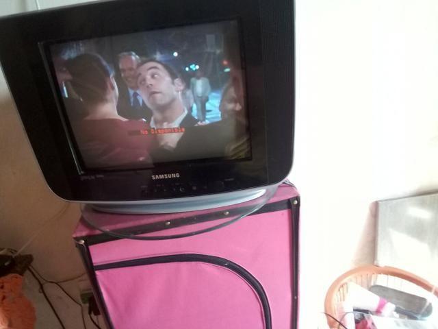 TV em boas condições de semi nova +receptor +controles +antena