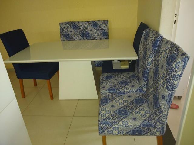 Vendo linda mesa de 6 cadeira