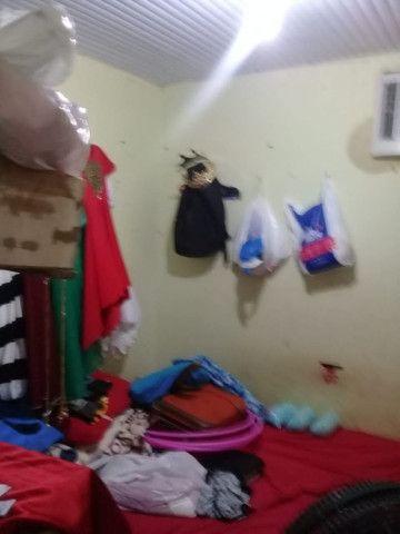 Armando Mendes casa de dois pisos, fica nos fundos de outra casa tem mais um apartamento - Foto 3