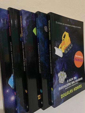 Coleção Livros O guia do mochileiro das galáxias - Foto 2