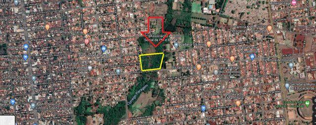 Área de 21.150 m² na Rua Mozart Calheiros em Dourados - Foto 2
