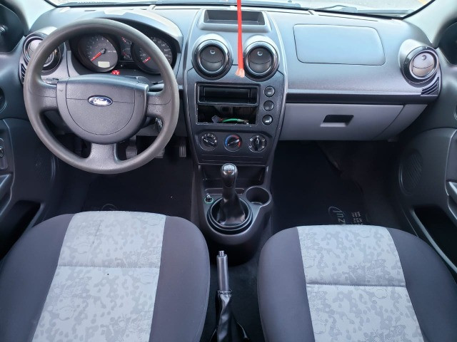 Fiesta 1.0 Sedan 2010 Valor R$ 17.900,00 - Foto 6