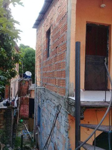 Armando Mendes casa de dois pisos, fica nos fundos de outra casa tem mais um apartamento - Foto 2
