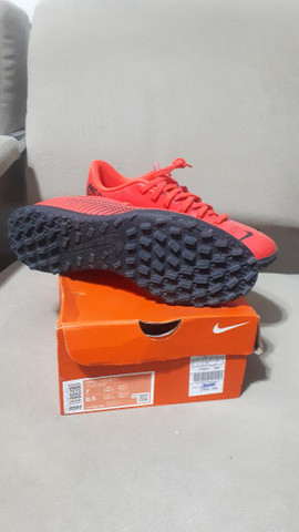 Chuteira society Nike 38 - Foto 2