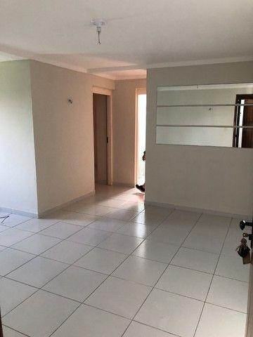 Apartamento nos Bancarios 2qts 700 com cond. - Foto 2