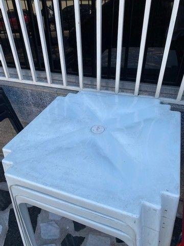 Boa noite Manaus temos no atacado mesa plástica cor branca nova pra restaurante