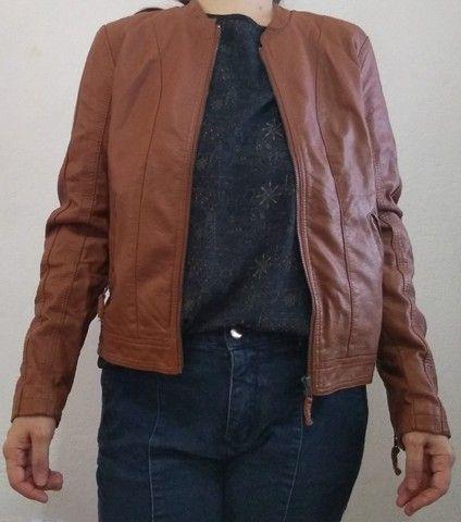 Jaqueta feminina de couro sintético - Foto 4