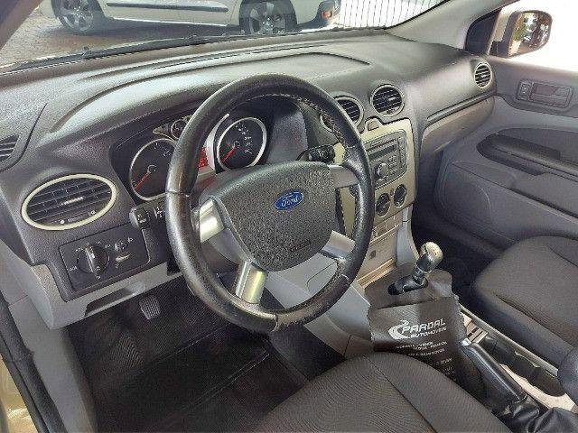 Ford Focus 1.6 GLX  - Foto 8