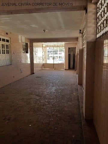 Vendo uma casa ampla em Itapuã, 7/4, suítes, comercial ou residencial R$ 850,0000! - Foto 20