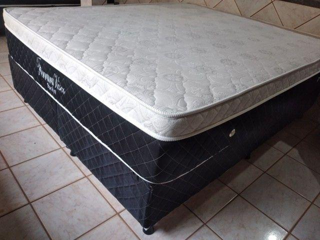 Vendo cama Queen Semi Nova