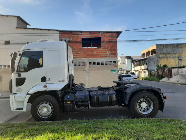 Ford cargo 1933 2016/2017 automático 4x2 único dono completo. - Foto 6