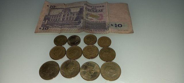 Lote de moedas e cedula do Uruguai antigas