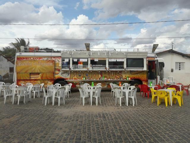 Vendo um ônibus food truck. valor 65mil no dinheiro!!! - Foto 5