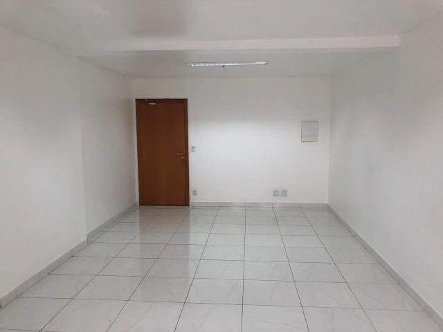 2 salas no Ed Atlantic Tower andar alto lado a lado chapada - Foto 8