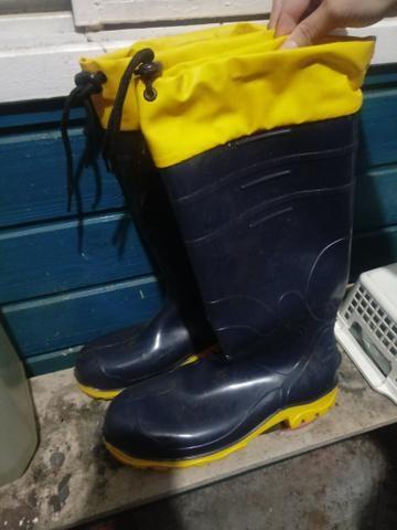 afca2a774b6 Bota de borracha - Roupas e calçados - Feitoria