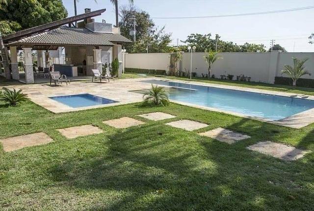 Casas em condomínio com três suítes no município de Aquiraz