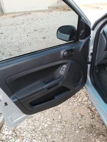 Fiesta Hatch 1.0 Rocam - Foto 8