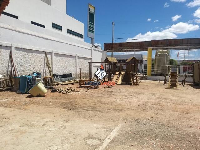 Ponto Comercial para Aluguel no Gercino Coelho - 445 m²