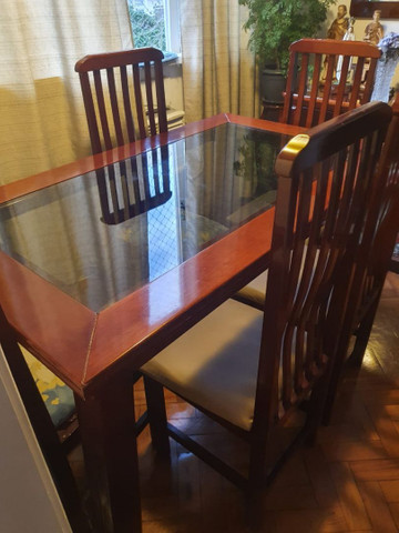 Mesa de jantar em madeira!