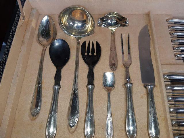 Faqueiro Antigo - 104 peças em prata - Foto 4