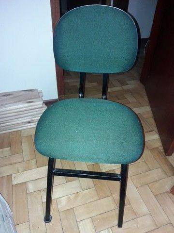 Cadeira escritório  em bom estado - Foto 3