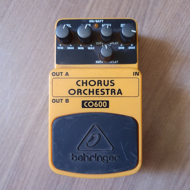 Pedal CO600 (Chorus Orchestra) Behringer