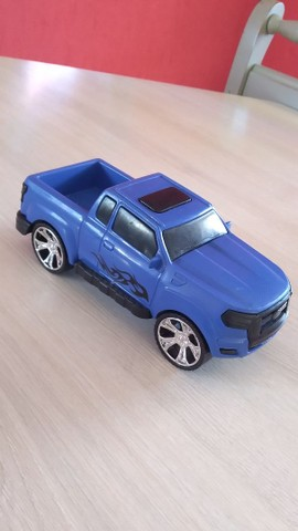 Camionete de Brinquedo
