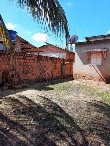 Casa com 02 quartos, sala, cozinha, com dois banheiros  e uma área de serviços  - Foto 4