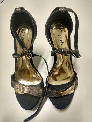 Estou vendendo esses sapatos numeração 33/34 e 34/35 - Foto 4
