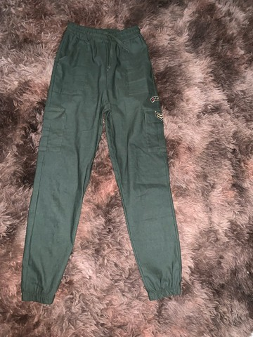 calça jogger verde militar