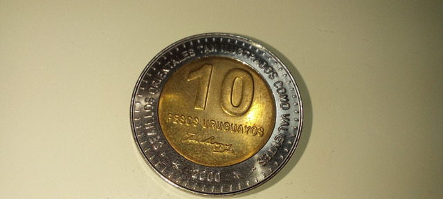 Moeda rara 10 pesos Uruguayos 2000 colecionador