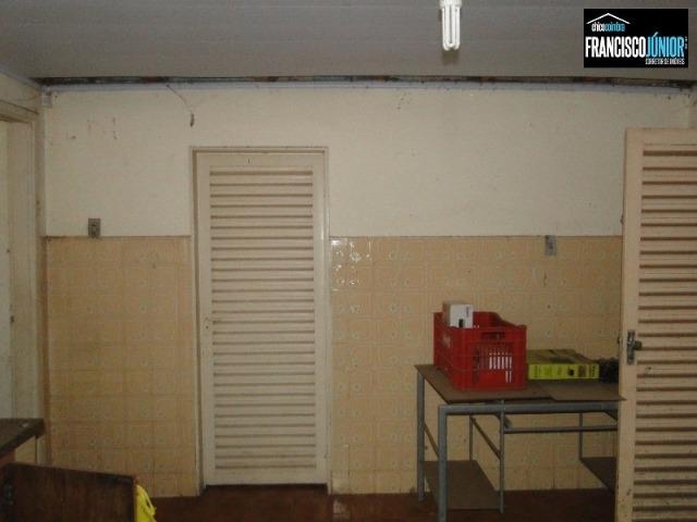 Casa no Setor Coimbra, 4 quartos, nascente e com ótima localização comercial e residencial - Foto 12