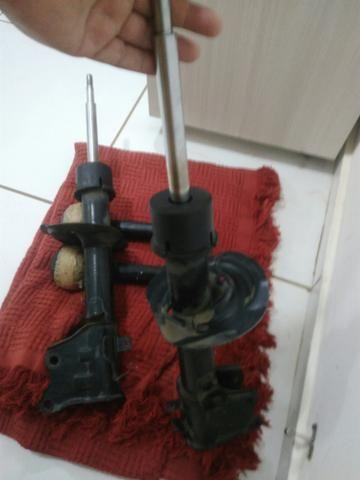 Amortecedor dianteiro usado Fiat Palio - Foto 2
