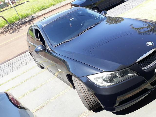BMW 320 i a top de linha