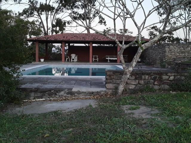 Chácara em Gravatá com 9 hectares, casa sede, 6 suítes, piscina com apoio, vista da BR-232 - Foto 5
