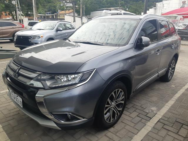 Outlander 2.0 Cvt At 2017 - 1 Ano de Garantia Mitsubishi Raion Barra (21) 3504-5000