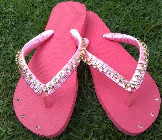 Está chegando o natal!!! Sandálias bordadas personalizadas incríveis a partir de R$45. - Foto 2