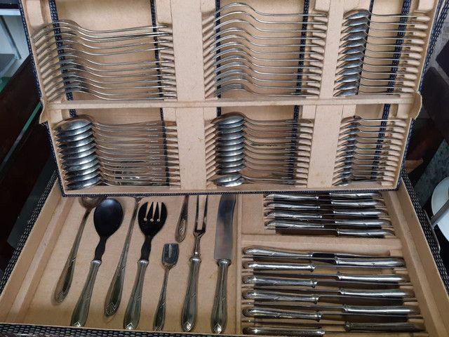 Faqueiro Antigo - 104 peças em prata