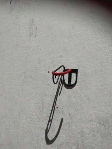 Suporte de parede para sua bike - Foto 2