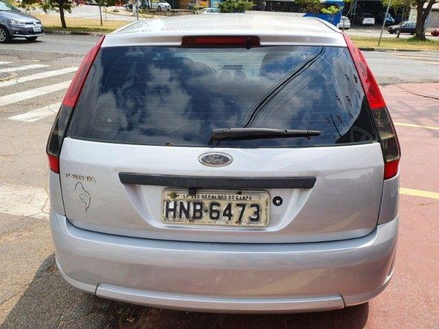 Ford Fiesta 1.0 Flex  - Foto 5