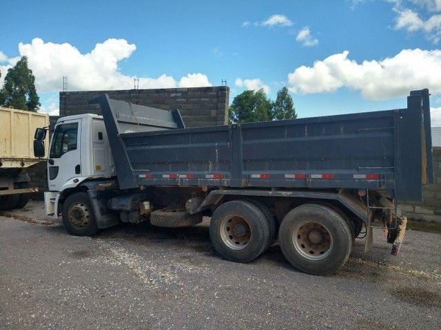 Caminhão caçamba basculante Ford cargo 1719 - Foto 5
