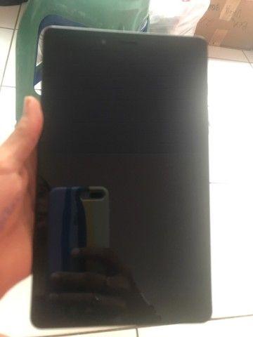 Vendo tablete Samsung , semi novo. Apenas um fio de cabelo