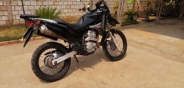 Moto XRE 300, ano 2010