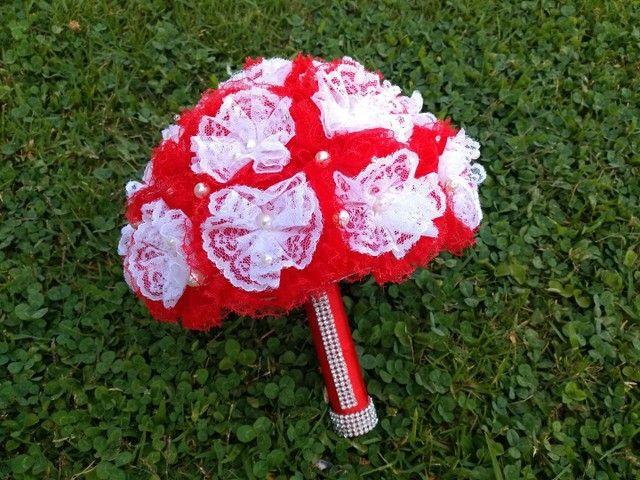Buquê de Noiva Artesanal Vermelho e Branco - Foto 3