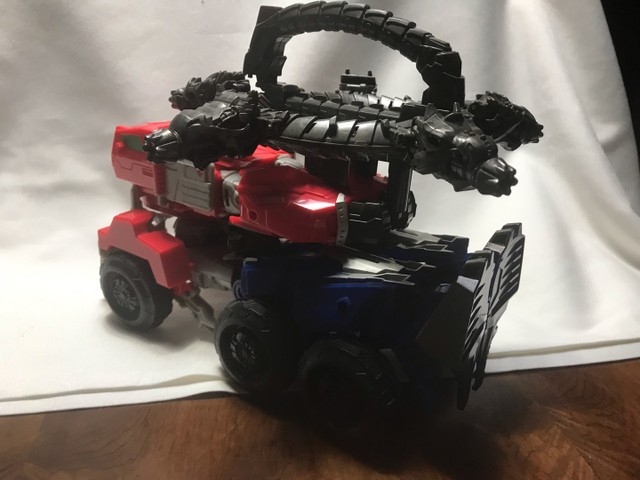 Transformes caminhão/robot lançador de dardos  - Foto 2