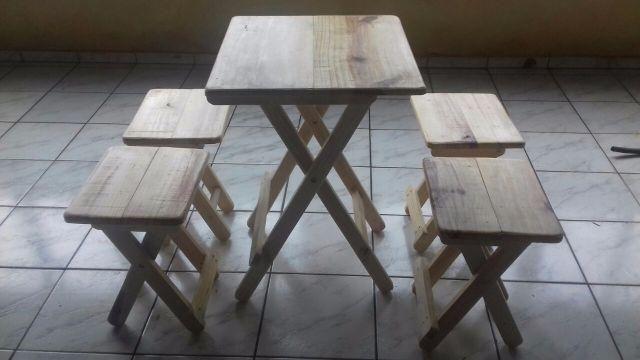 Mesa e banqueta dobravel