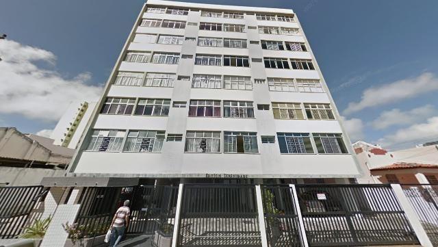 Apartamento no Edf. Serenidade, c/ 2 quartos, Bairro Centro