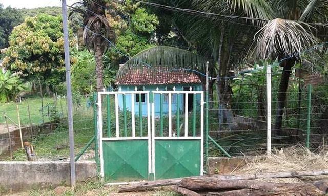 Vendo casa na ilha 15 mt da praia , atras do Iate Club - Foto 2