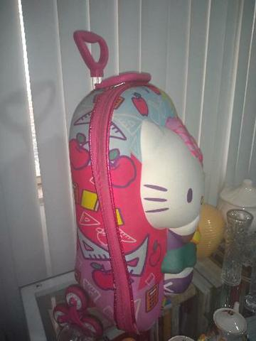 1 bolsa hello Kitty semi nova linda. - Foto 3